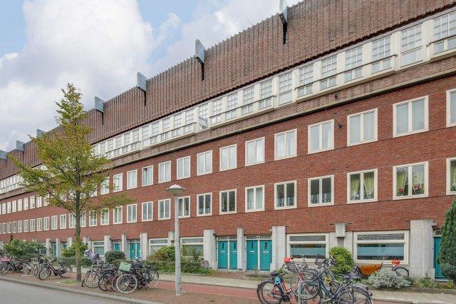 iQ Makelaars Amsterdam, Hoofdweg